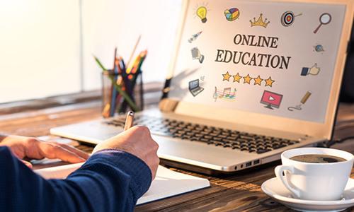 Imagem do curso Docência e Gestão na Educação A Distância