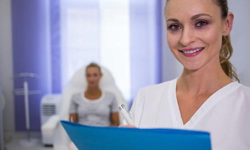 Imagem do curso Enfermagem em Pós-Operatório em Cirurgia Plástica