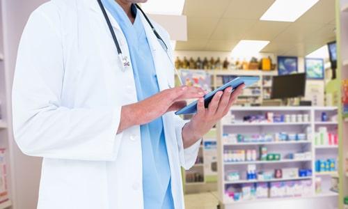 Imagem do curso Farmácia Hospitalar e Cuidados Farmacêuticos